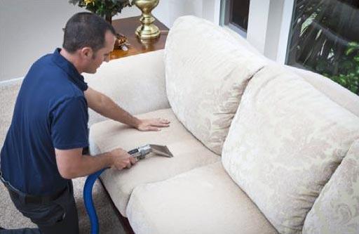 nettoyage a vapeur : canapés, banquettes, chaises ou fauteuils